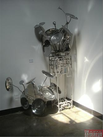 """798""""元态""""艺术展焦点现场:刘向华的家具装置作品"""