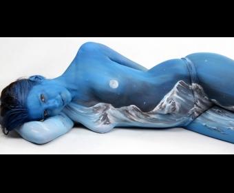 德国艺术家的人体作画