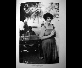 诺奖得主门罗1981年曾来华 到丁玲家中做客