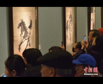 从排队到买票需1小时 中国美术馆壕展为啥火